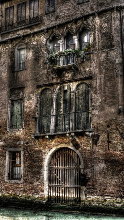 Palazzo chiuso
