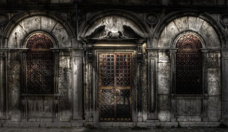Palazzo scuro